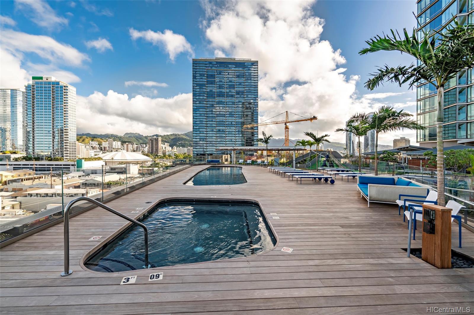 1001 Queen St Honolulu - Rental - photo 8 of 20