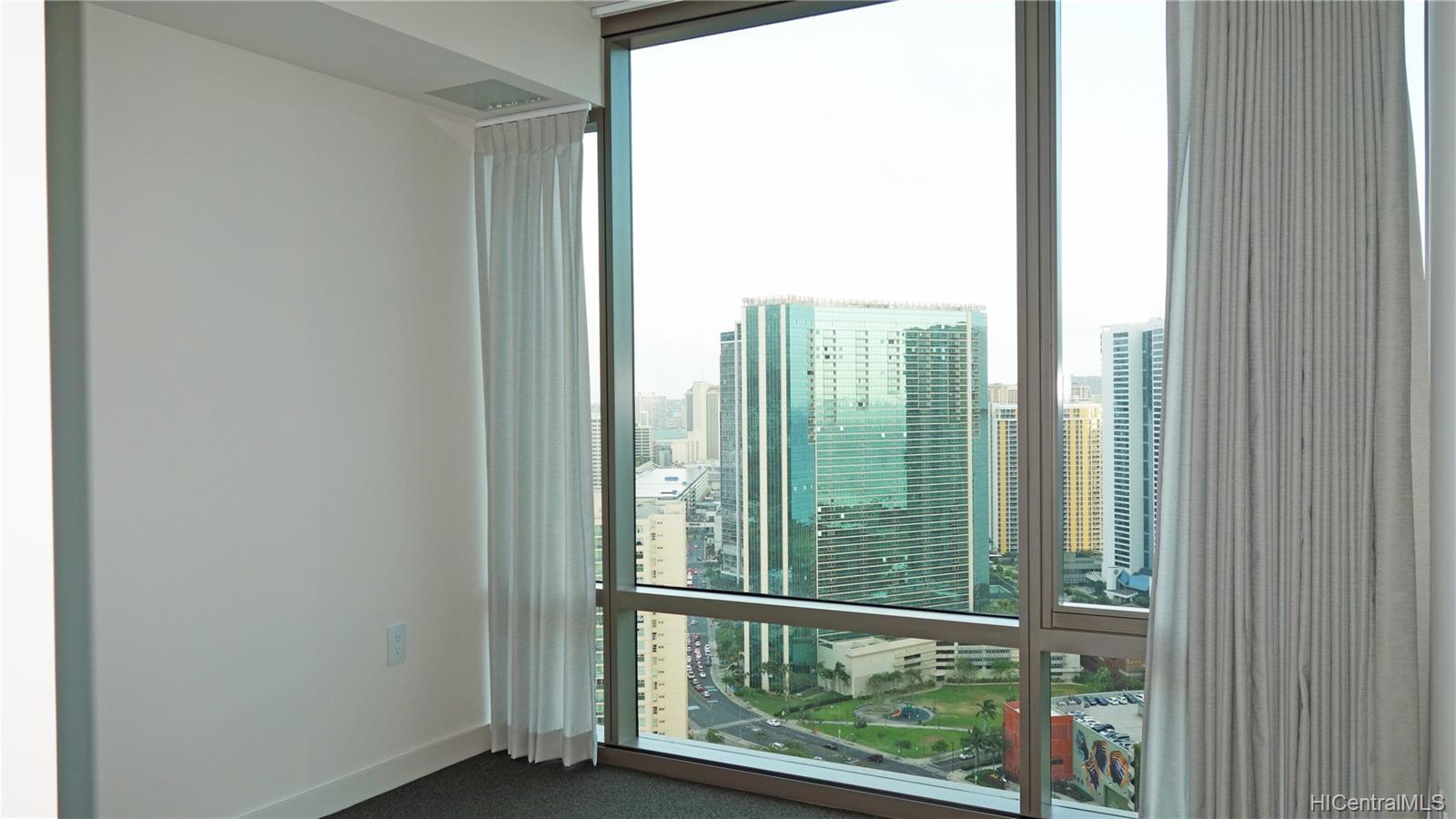 1001 Queen Street Honolulu - Rental - photo 5 of 6
