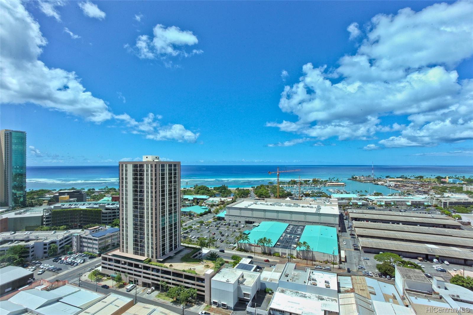 1009 Kapiolani Blvd Honolulu - Rental - photo 11 of 19