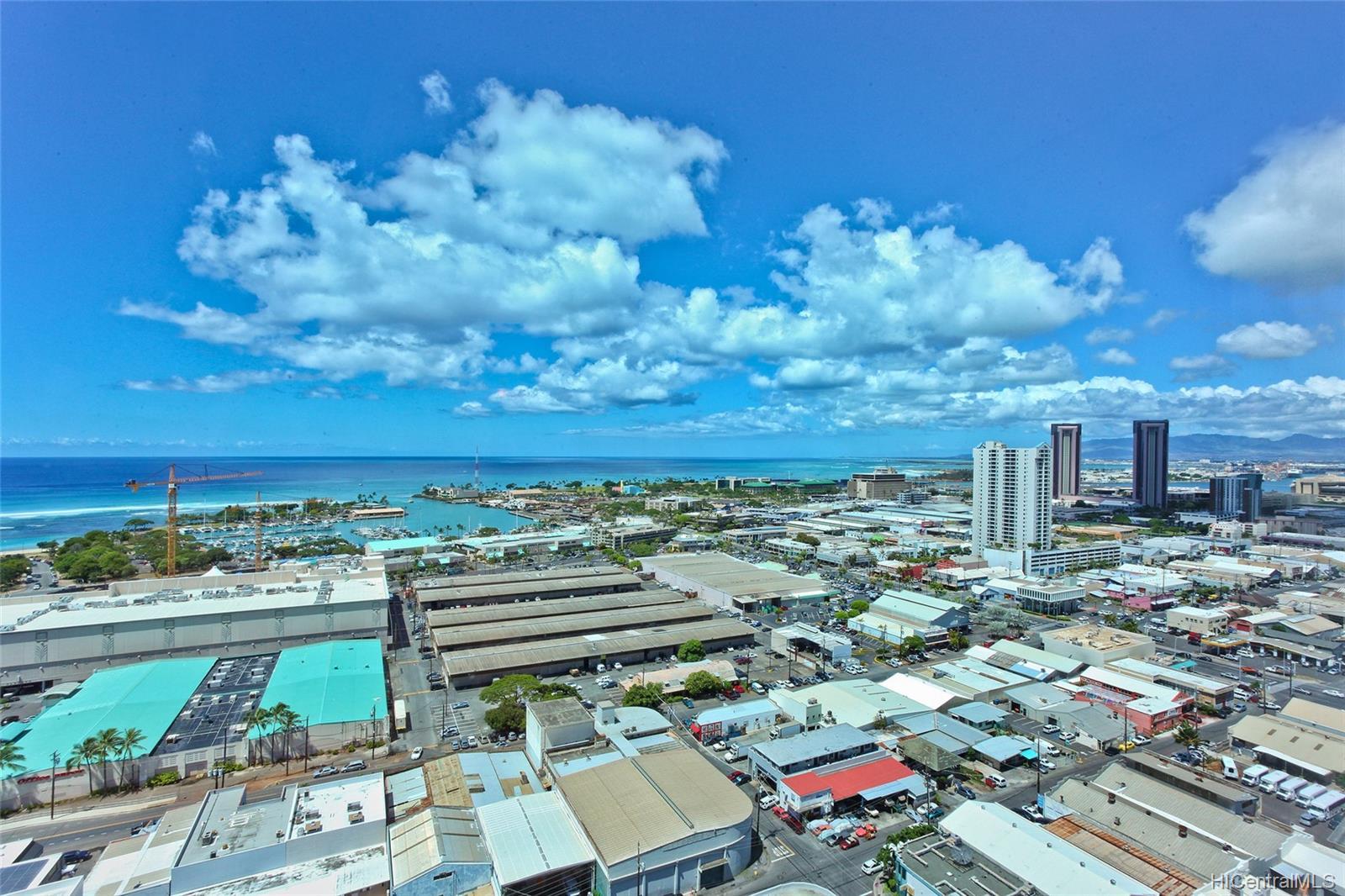 1009 Kapiolani Blvd Honolulu - Rental - photo 12 of 19