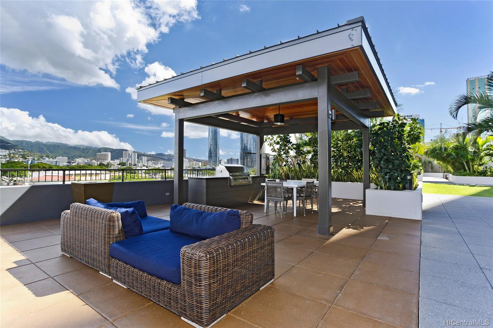 1009 Kapiolani Blvd Honolulu - Rental - photo 18 of 19