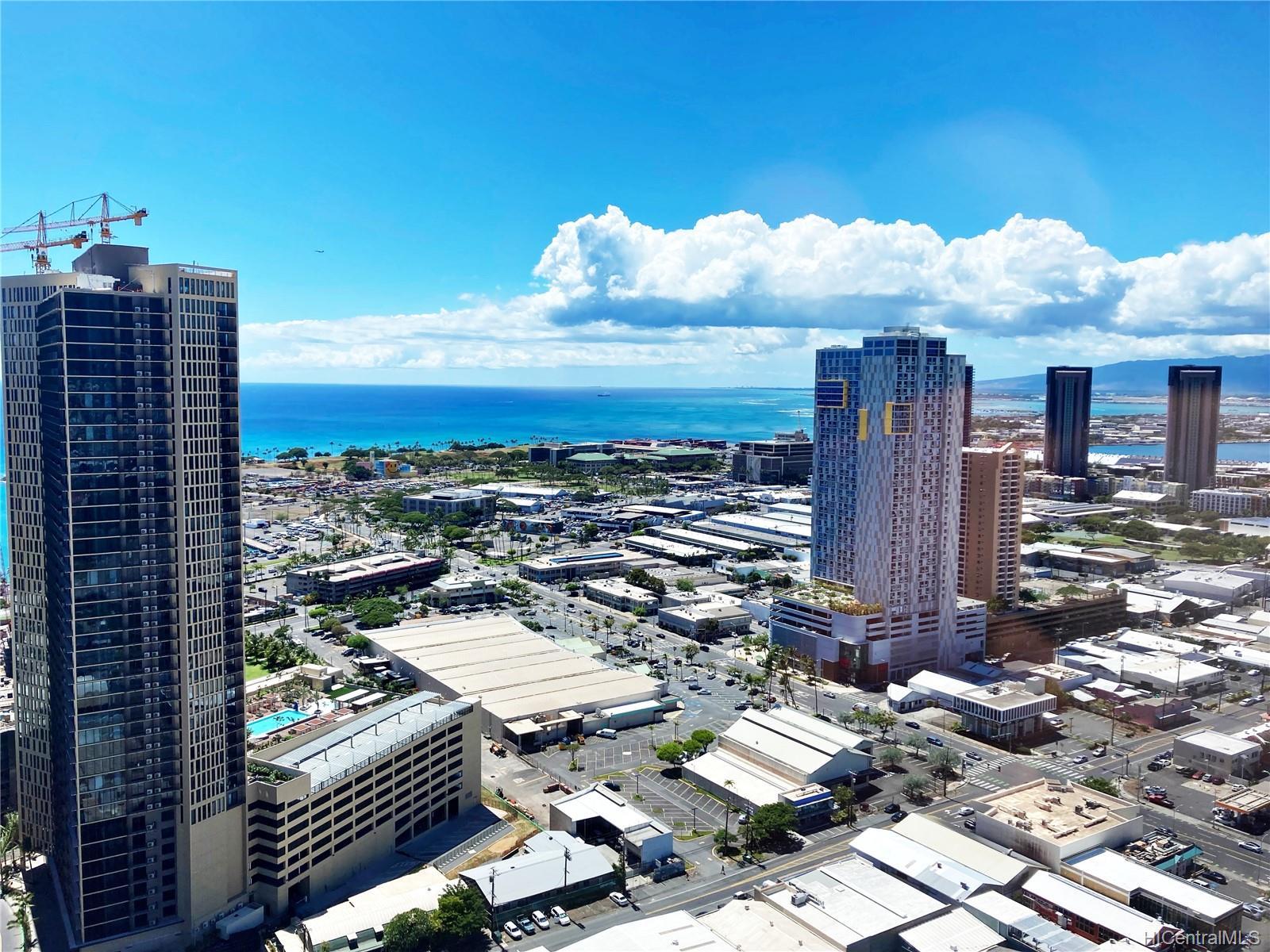 1009 Kapiolani Blvd Honolulu - Rental - photo 2 of 12