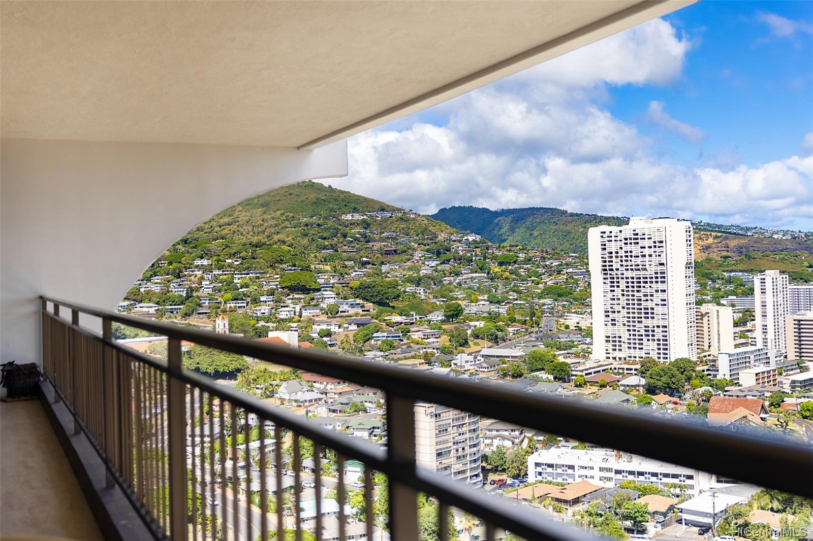 1010 Wilder condo # 1701, Honolulu, Hawaii - photo 20 of 25