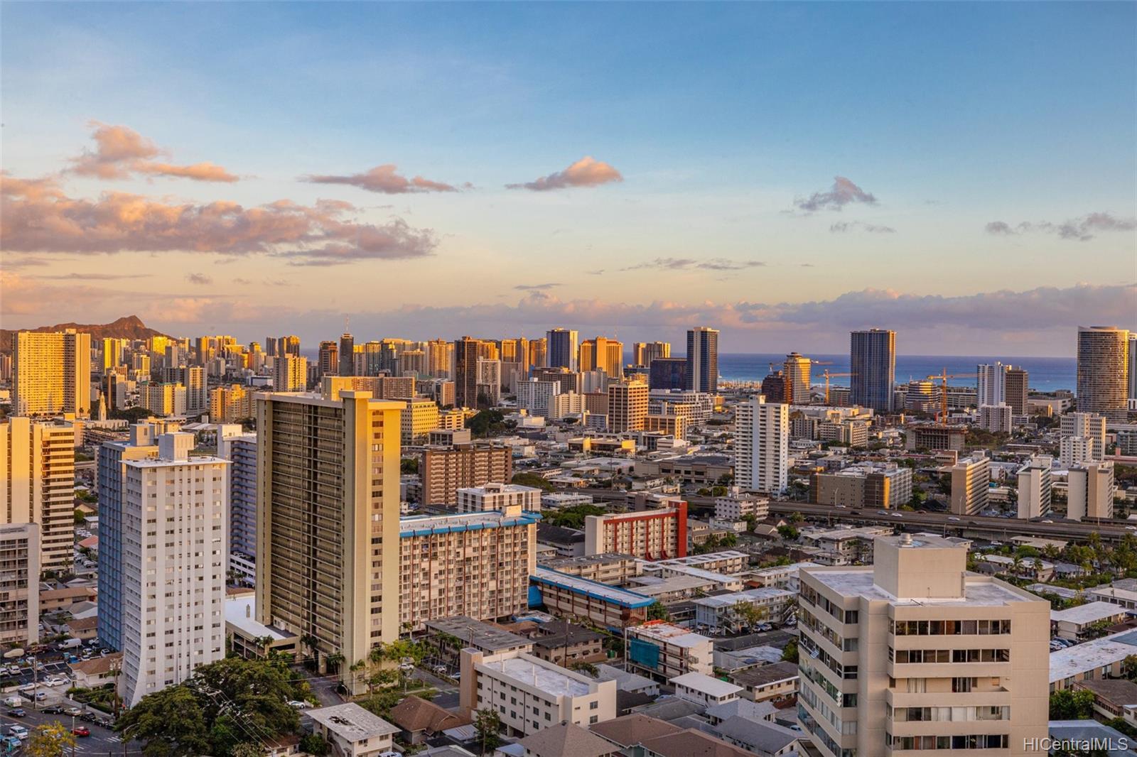 1010 Wilder condo # 1701, Honolulu, Hawaii - photo 22 of 25