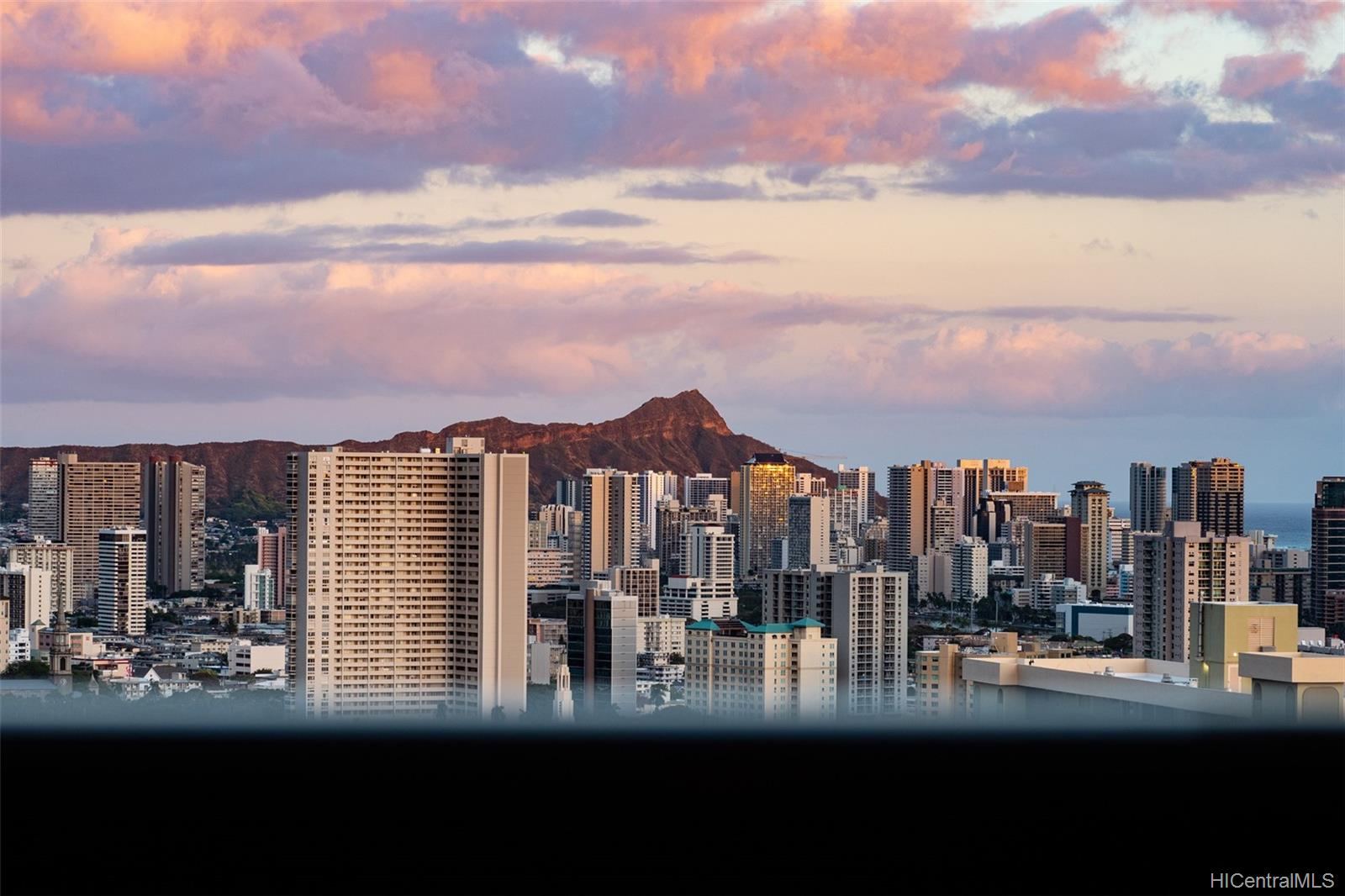 1010 Wilder condo # 1701, Honolulu, Hawaii - photo 23 of 25