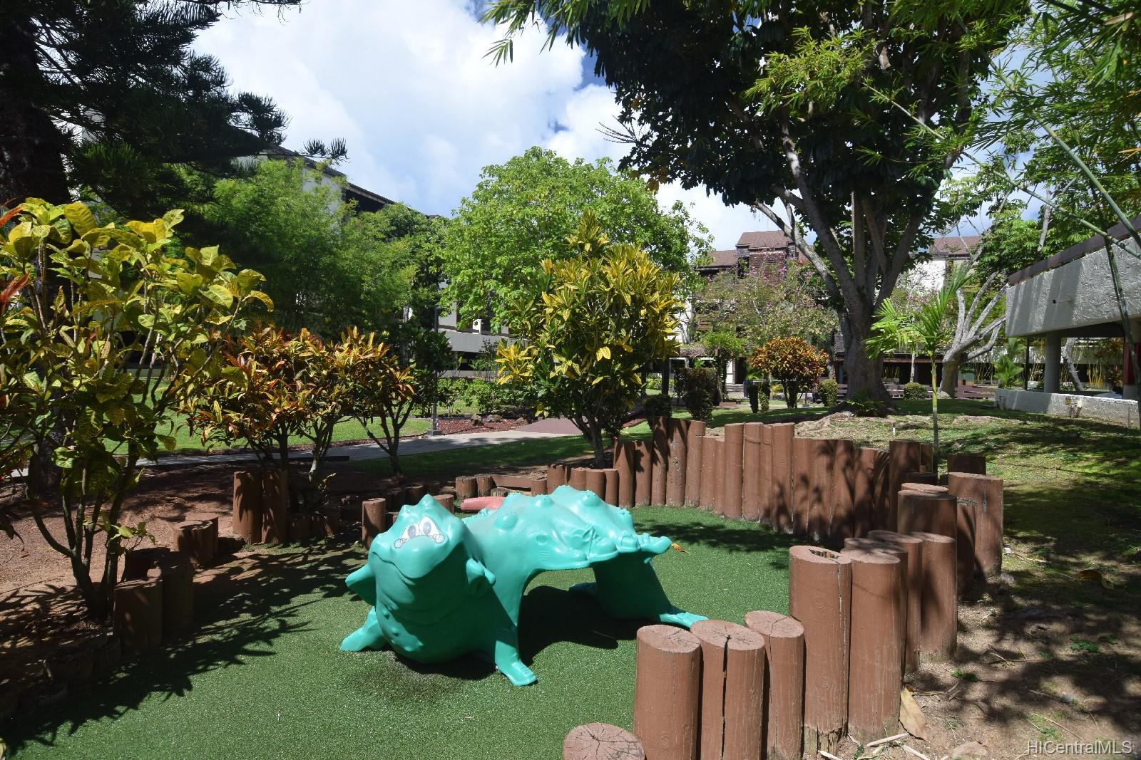Poinciana Manor condo # 235, Kailua, Hawaii - photo 17 of 18