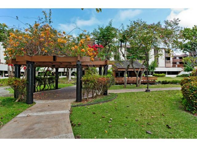 Poinciana Manor condo # 456, Kailua, Hawaii - photo 12 of 15