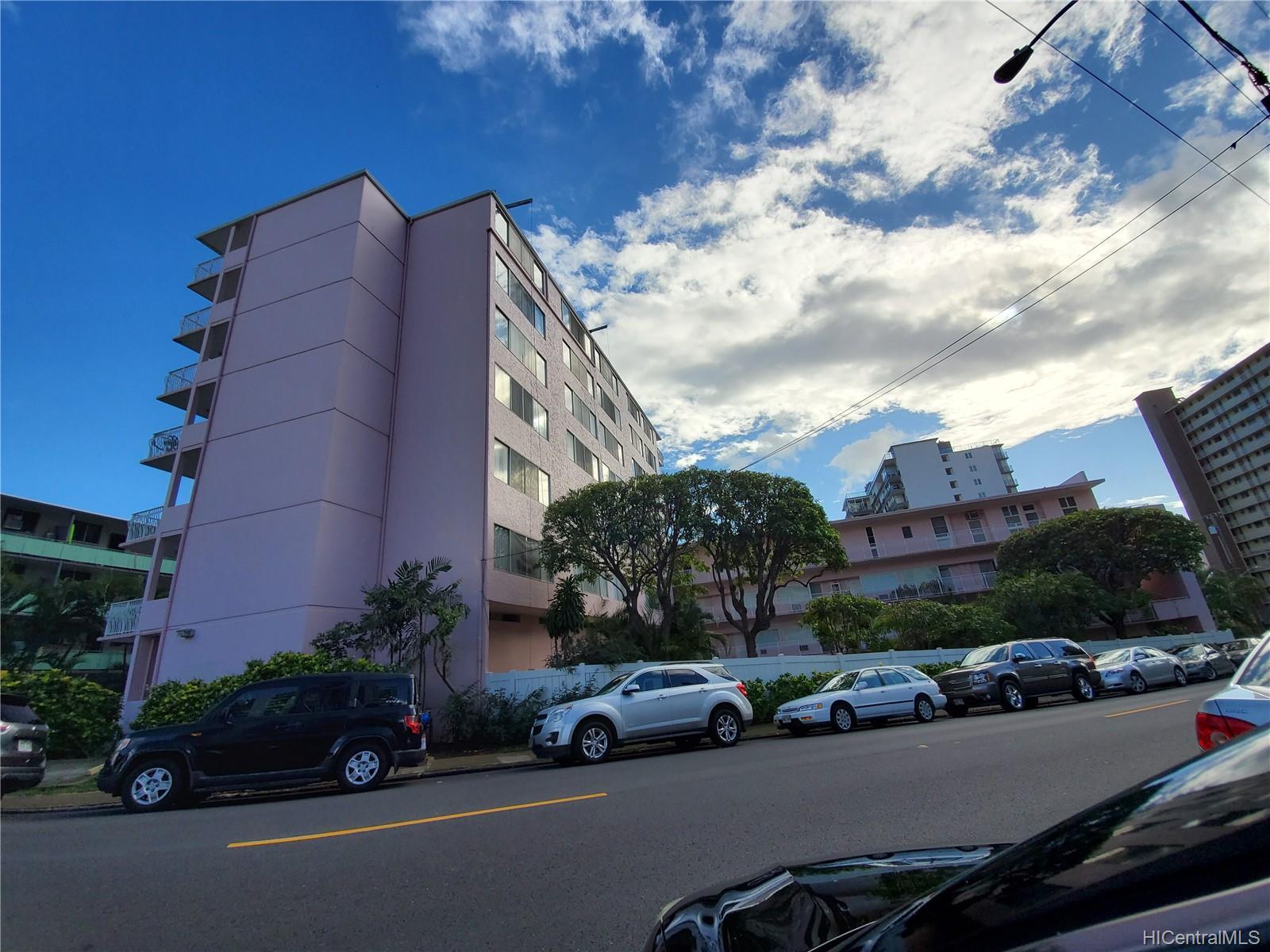 Terrazza condo # 104, Honolulu, Hawaii - photo 1 of 13
