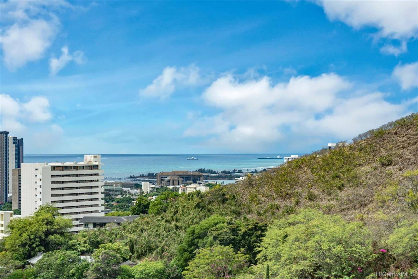 Royal Vista condo # 1104A, Honolulu, Hawaii - photo 14 of 23