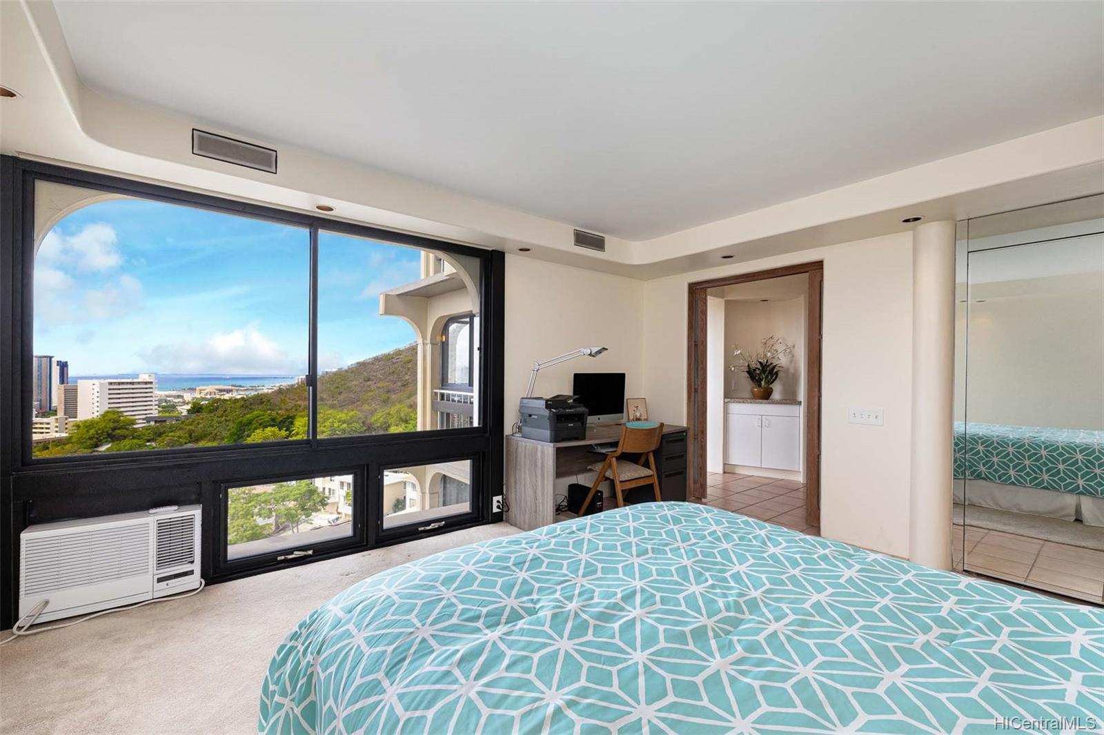Royal Vista condo # 1104A, Honolulu, Hawaii - photo 10 of 23