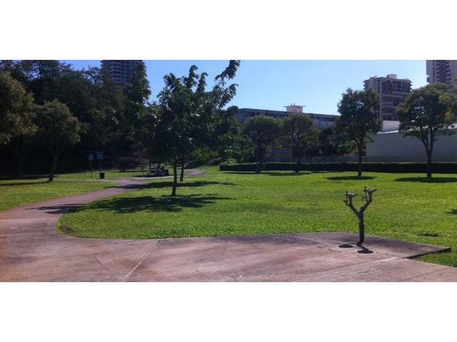 University Villa condo # 801, Honolulu, Hawaii - photo 10 of 14