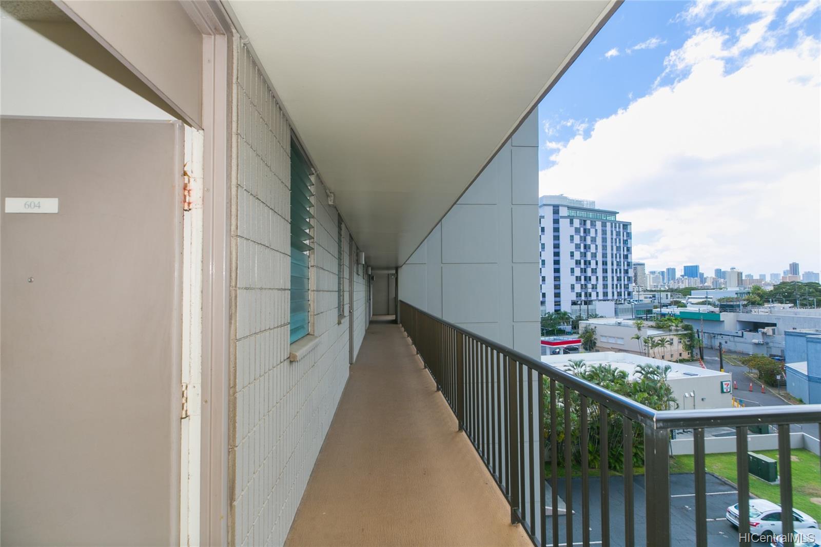 University Villa condo # 604, Honolulu, Hawaii - photo 14 of 19