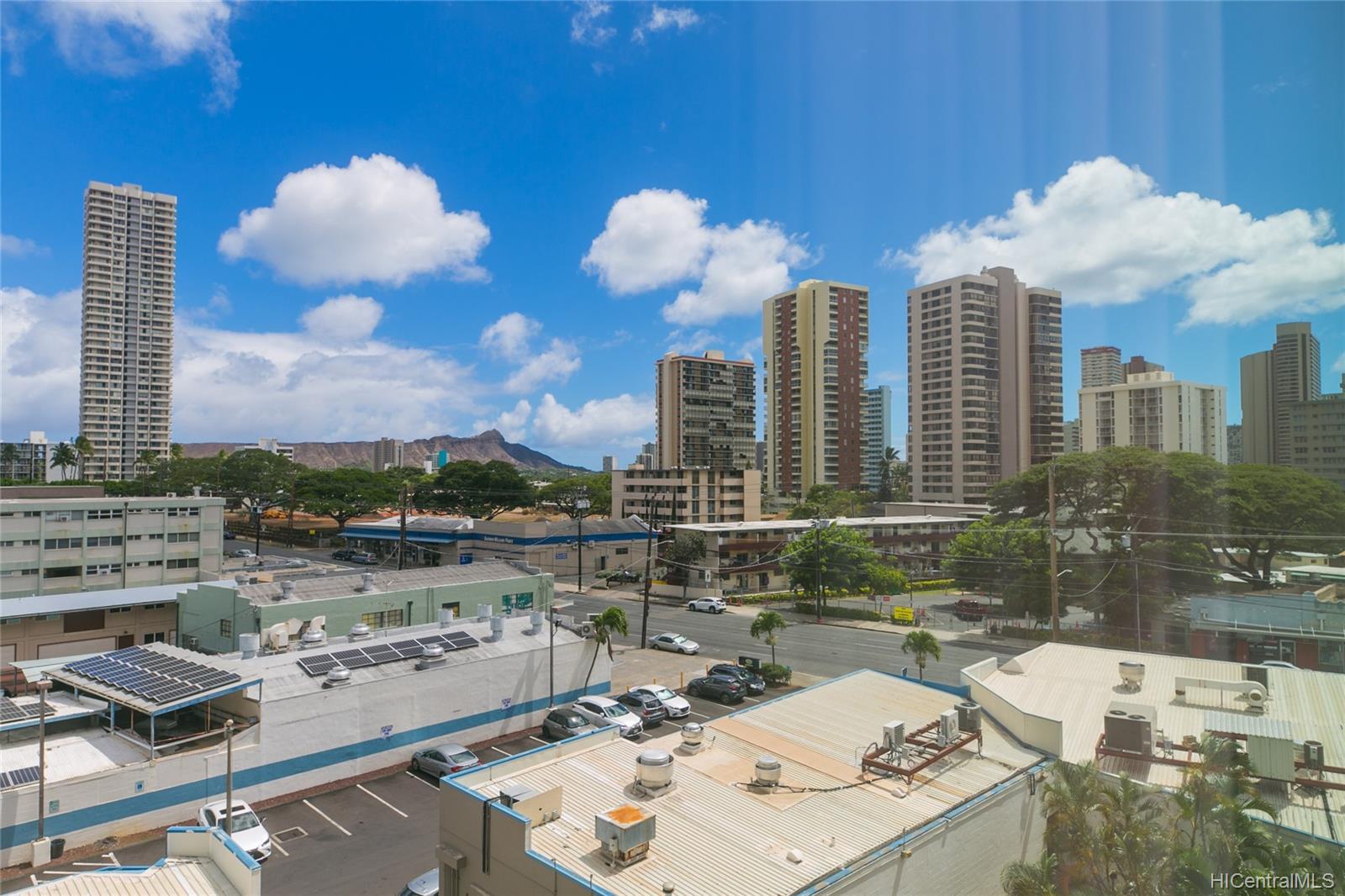 University Villa condo # 604, Honolulu, Hawaii - photo 15 of 19