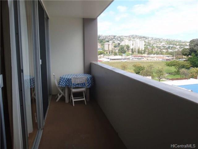 University Villa condo # 604, Honolulu, Hawaii - photo 5 of 9