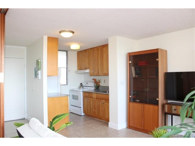 University Villa condo # 605, Honolulu, Hawaii - photo 6 of 11