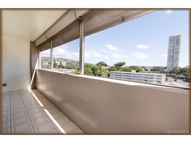 University Villa condo # 701, Honolulu, Hawaii - photo 9 of 13