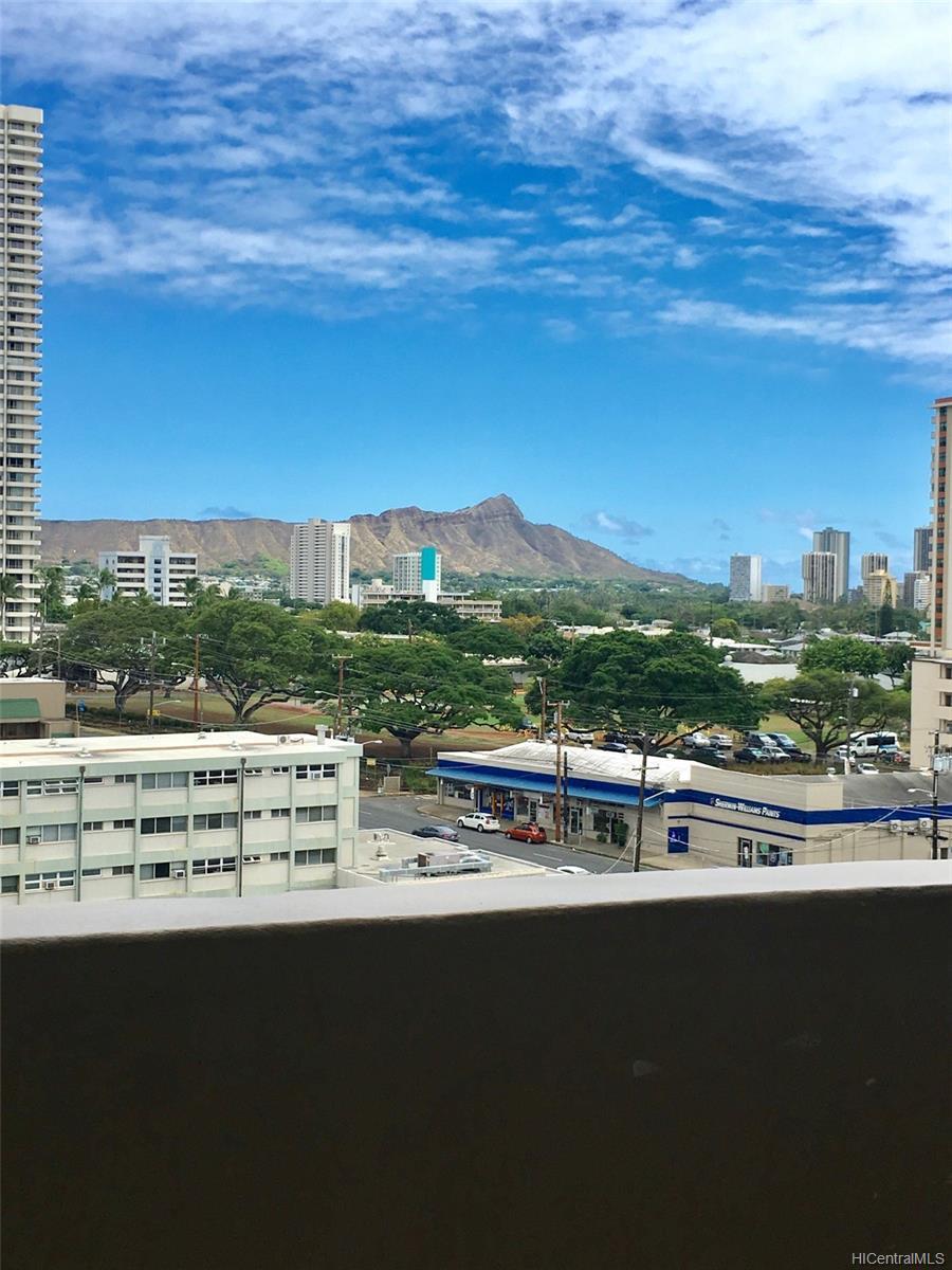 University Villa condo # 907, Honolulu, Hawaii - photo 1 of 10