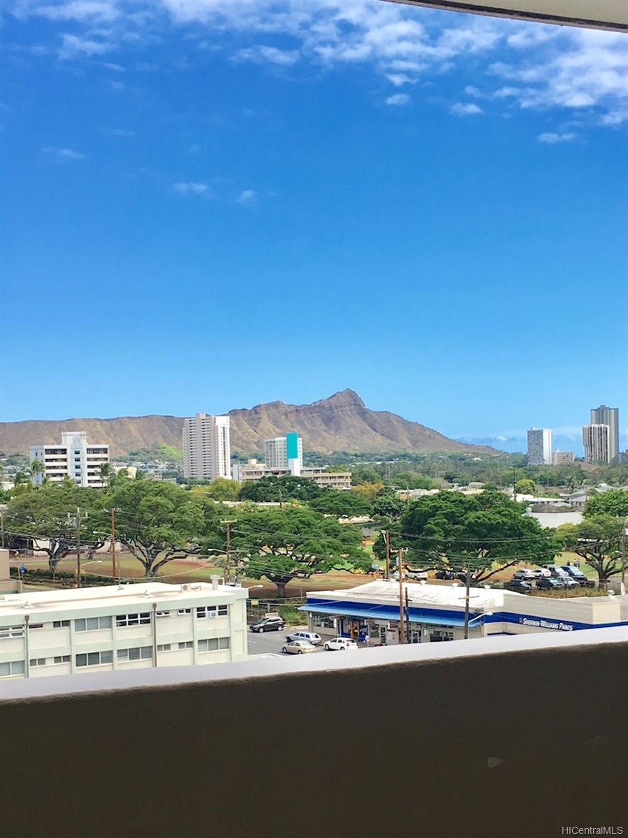 University Villa condo # 907, Honolulu, Hawaii - photo 3 of 10