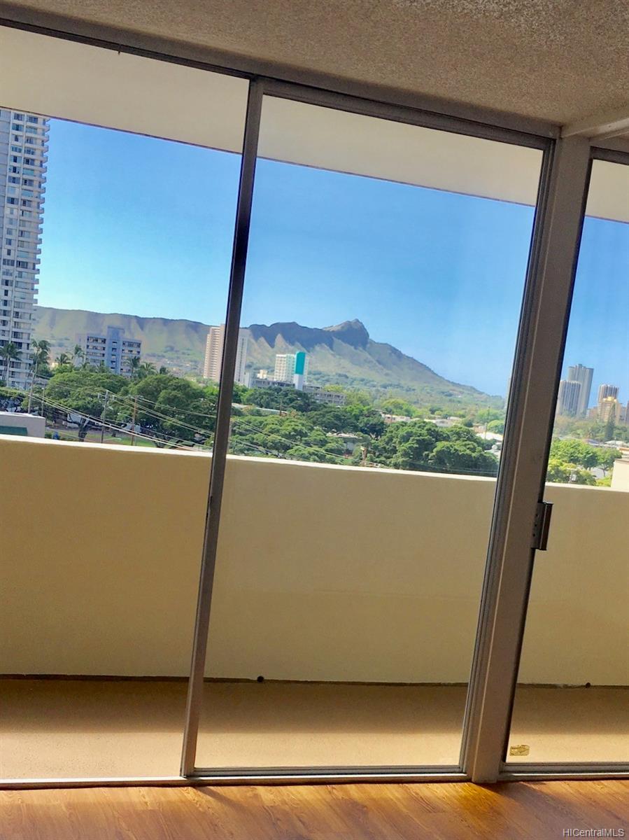University Villa condo # 907, Honolulu, Hawaii - photo 6 of 10
