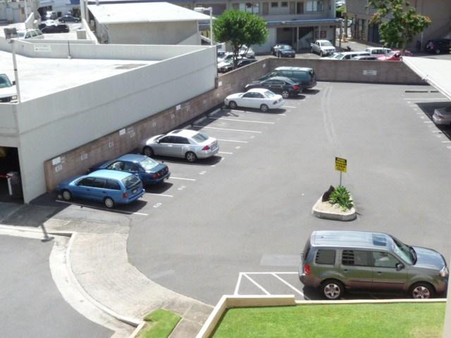 University Towers condo # 402, Honolulu, Hawaii - photo 5 of 25