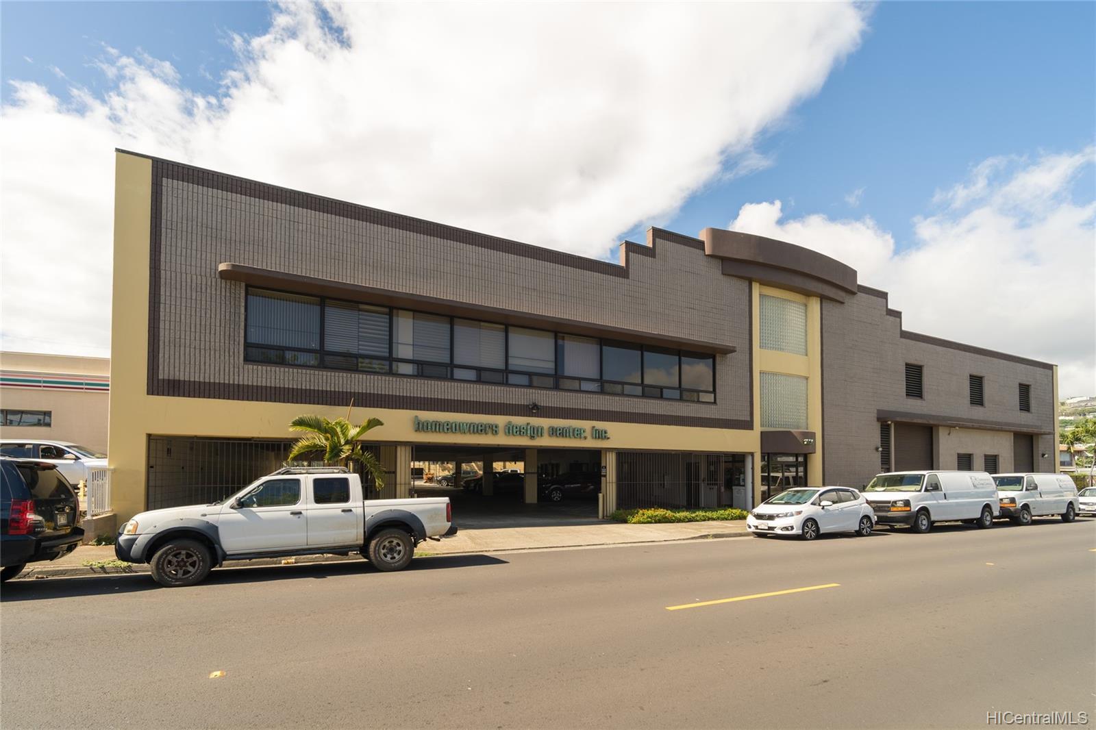1030 Kohou Street Honolulu Oahu commercial real estate photo1 of 25