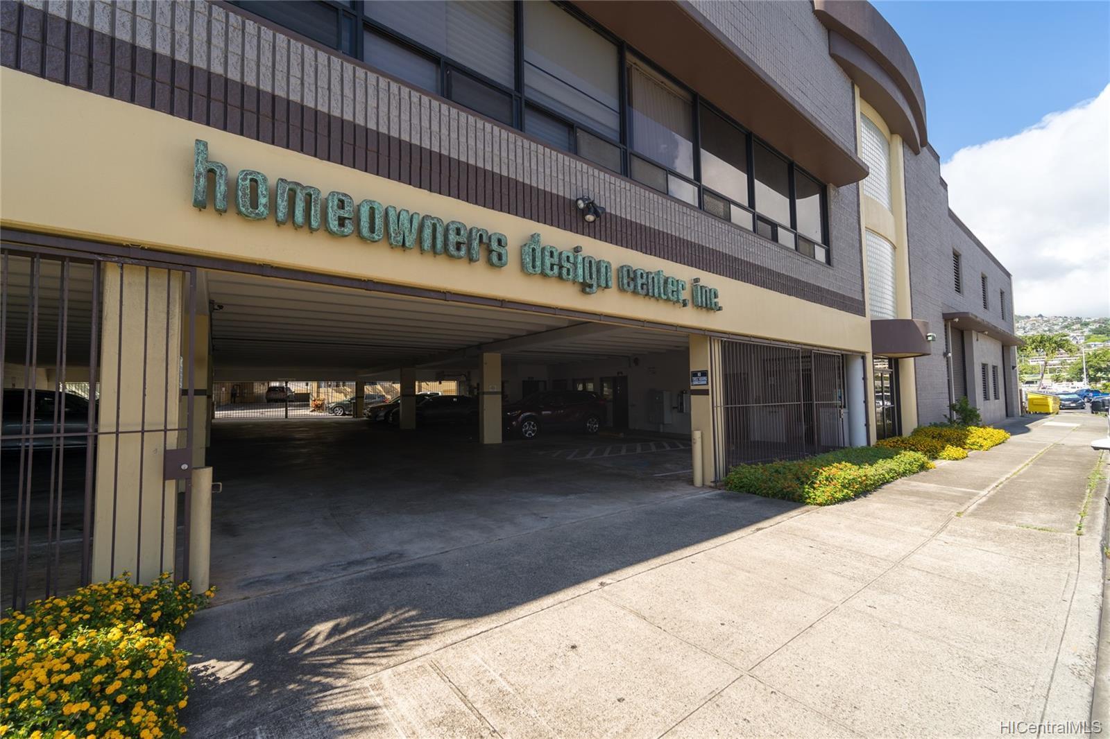 1030 Kohou Street Honolulu Oahu commercial real estate photo2 of 25