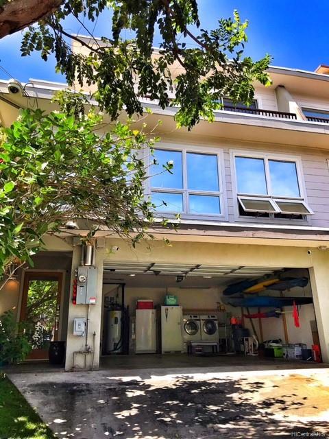 1032  Spencer Street Punchbowl Area, Honolulu home - photo 2 of 23