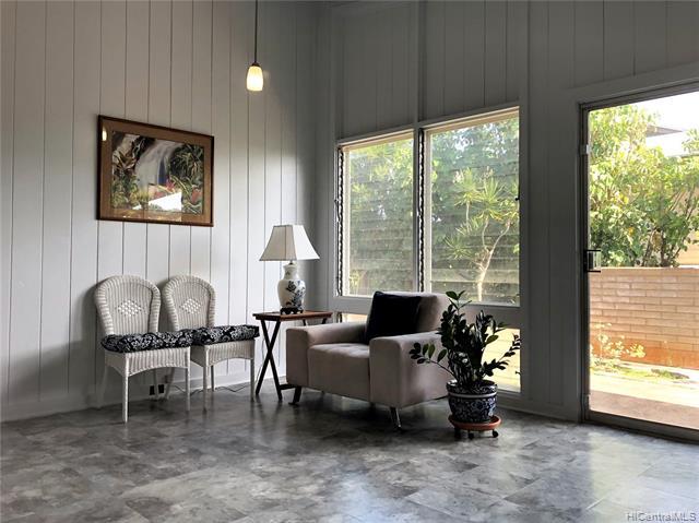1040  14th Ave Kaimuki, Diamond Head home - photo 1 of 25