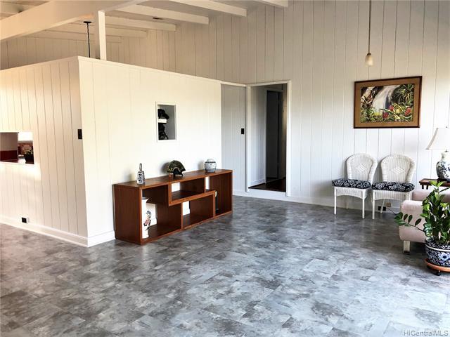 1040  14th Ave Kaimuki, Diamond Head home - photo 2 of 25