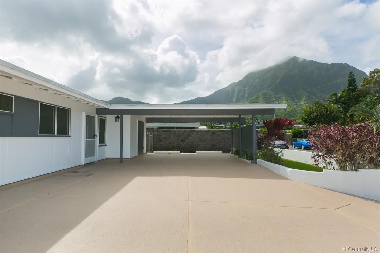 1060  Lunahooia Place Maunawili, Kailua home - photo 1 of 25