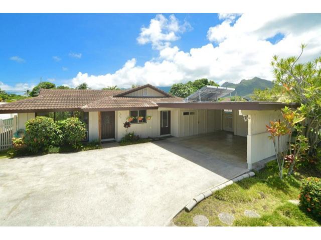 1063  Kamahele St Enchanted Lake, Kailua home - photo 1 of 15