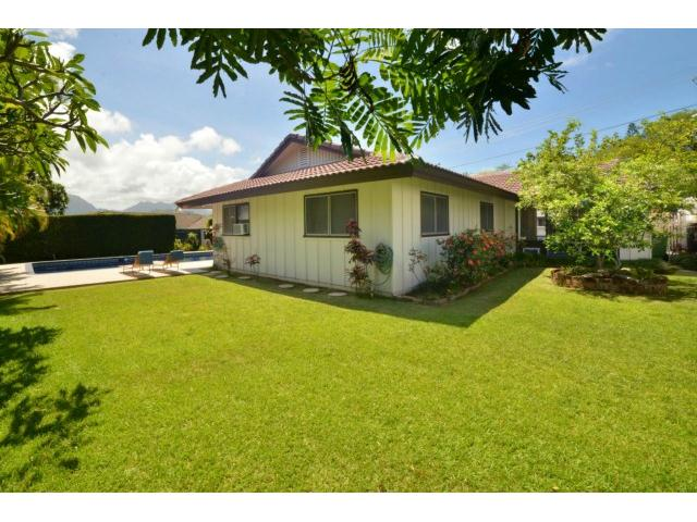 1063  Kamahele St Enchanted Lake, Kailua home - photo 9 of 15