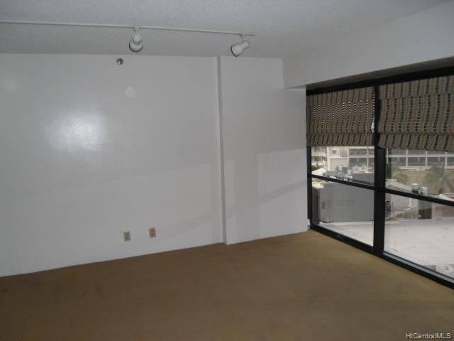 Executive Centre condo # 812, Honolulu, Hawaii - photo 3 of 9