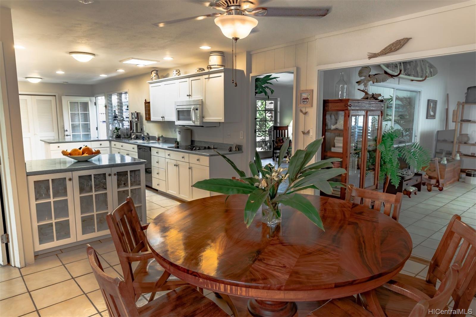 1098  Lunaanela Street Maunawili, Kailua home - photo 3 of 22