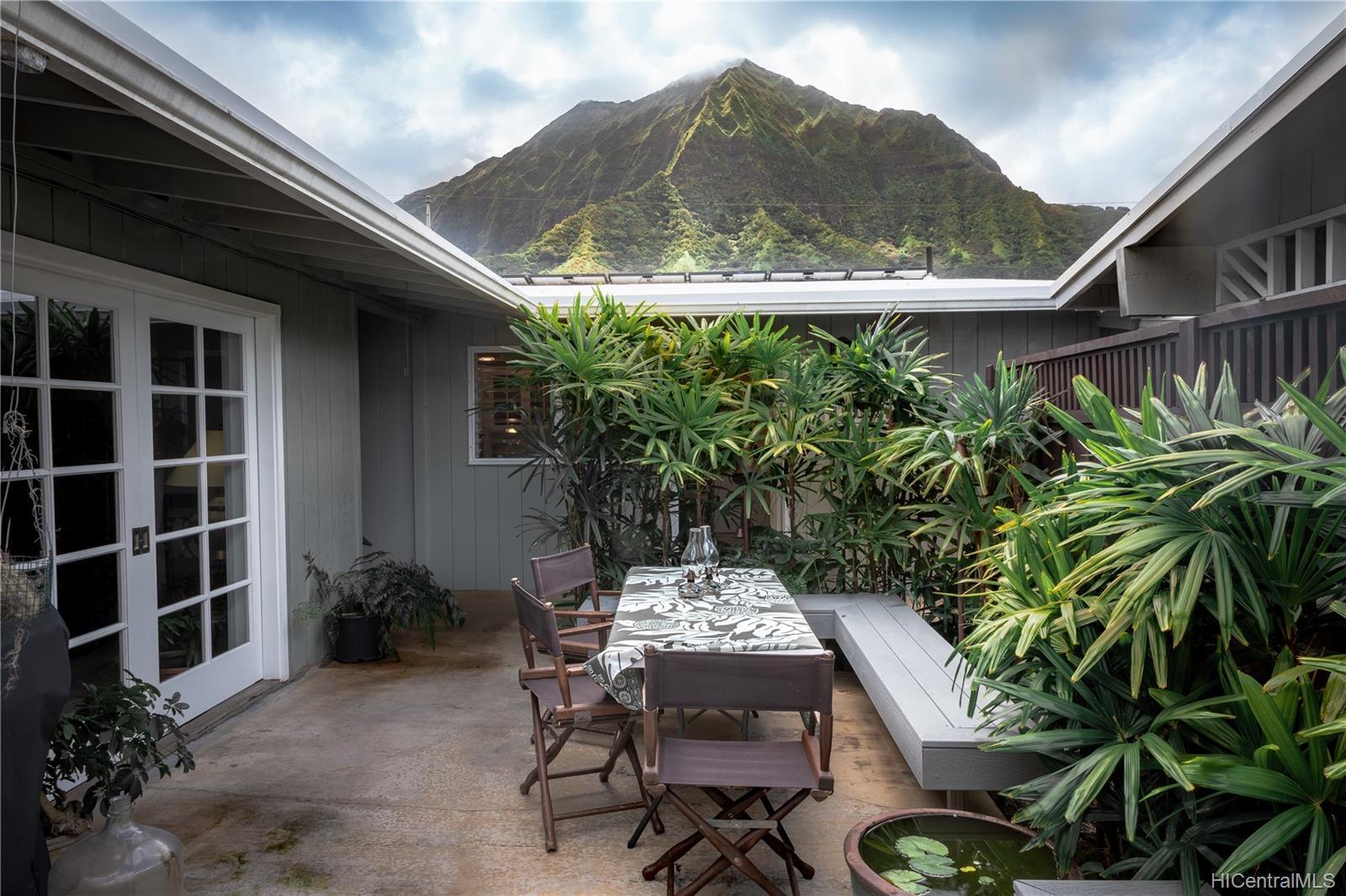 1098  Lunaanela Street Maunawili, Kailua home - photo 7 of 22