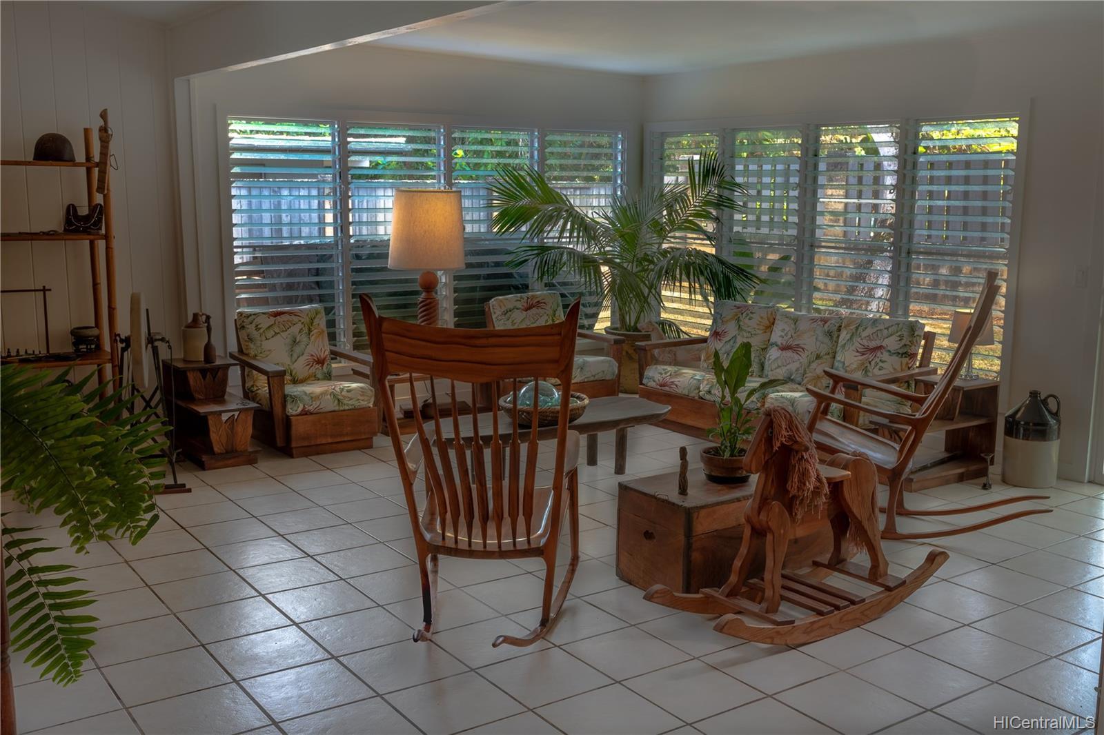 1098  Lunaanela Street Maunawili, Kailua home - photo 10 of 22