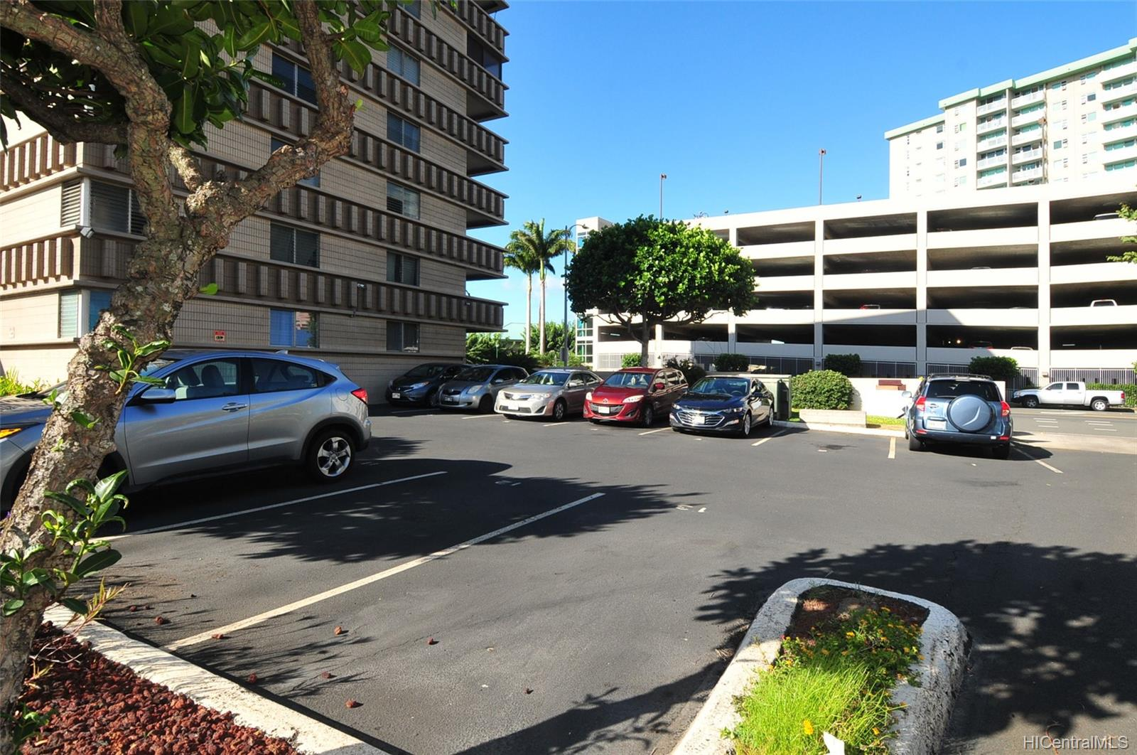 Lakeview Sands condo # 1104, Honolulu, Hawaii - photo 2 of 14