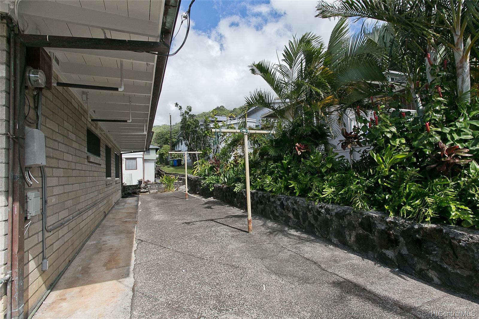 111  Rosebank Pl Nuuanu Area, Honolulu home - photo 15 of 18