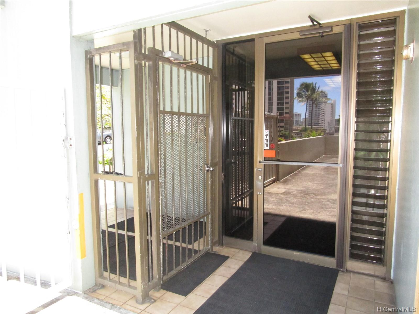 Wilder House condo # 202, Honolulu, Hawaii - photo 15 of 16