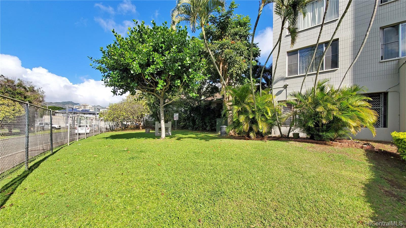 Leilehua condo # 105, Honolulu, Hawaii - photo 22 of 25