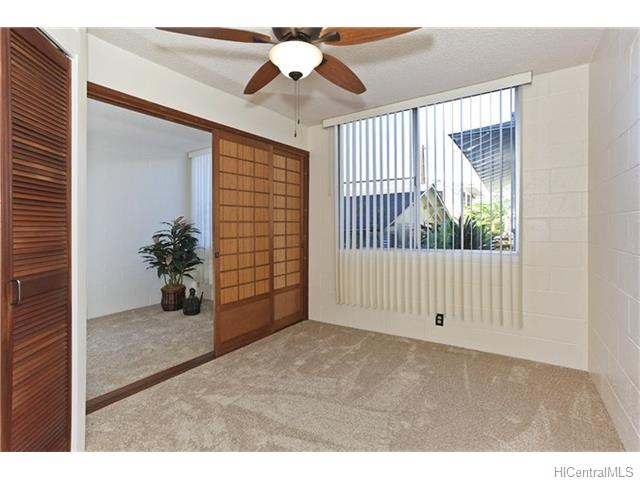 Leilehua condo # 113, Honolulu, Hawaii - photo 5 of 11