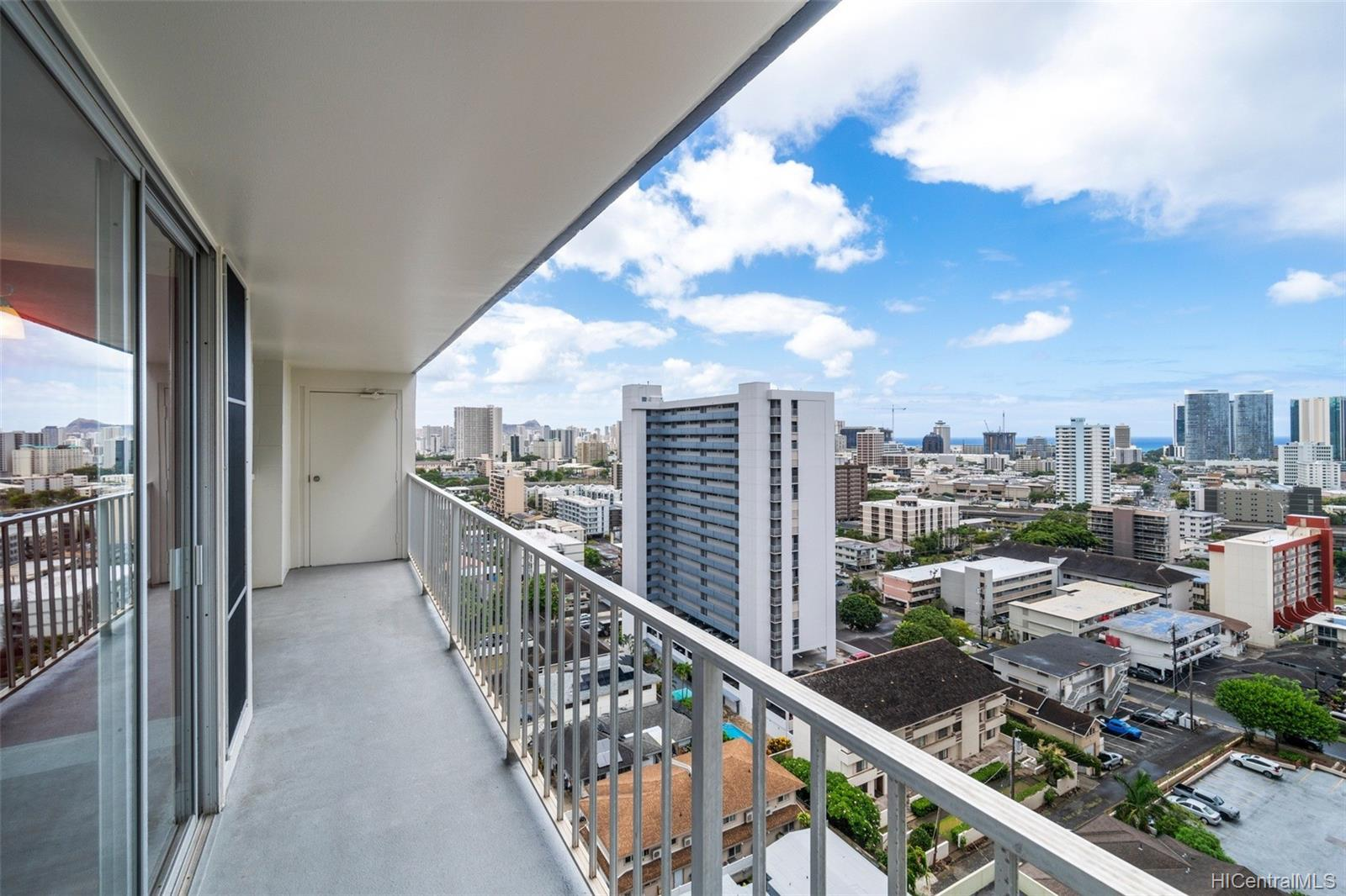 Wilder Regent condo # 1600B, Honolulu, Hawaii - photo 1 of 22