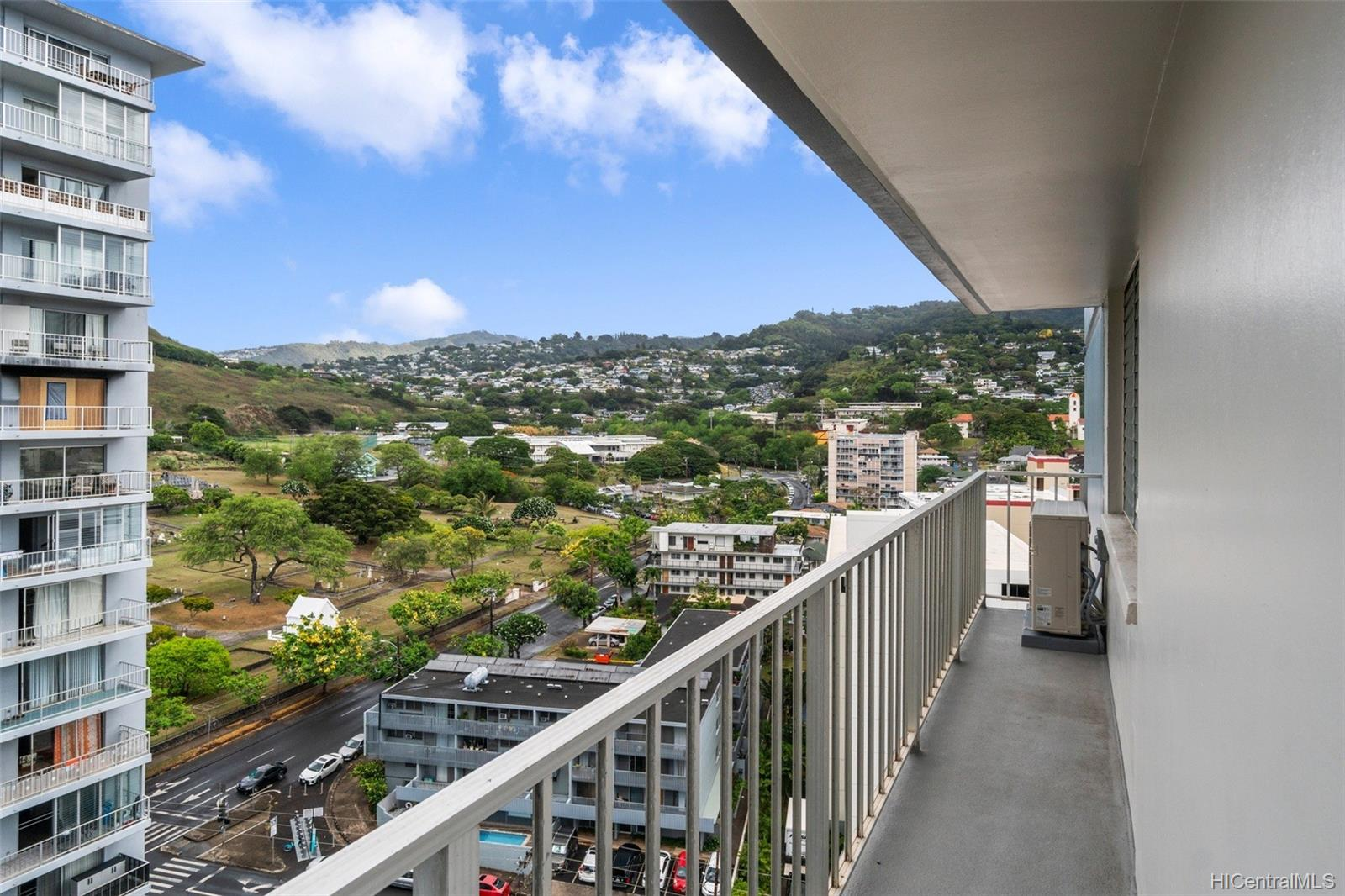 Wilder Regent condo # 1600B, Honolulu, Hawaii - photo 5 of 22