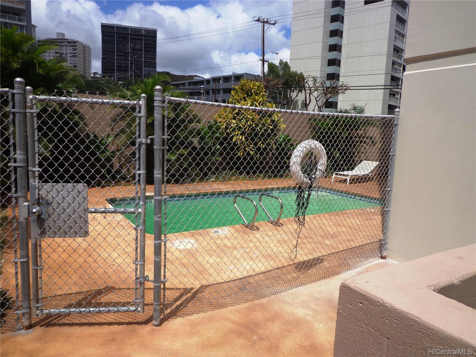 Wilder Terrace condo # 604, Honolulu, Hawaii - photo 5 of 22