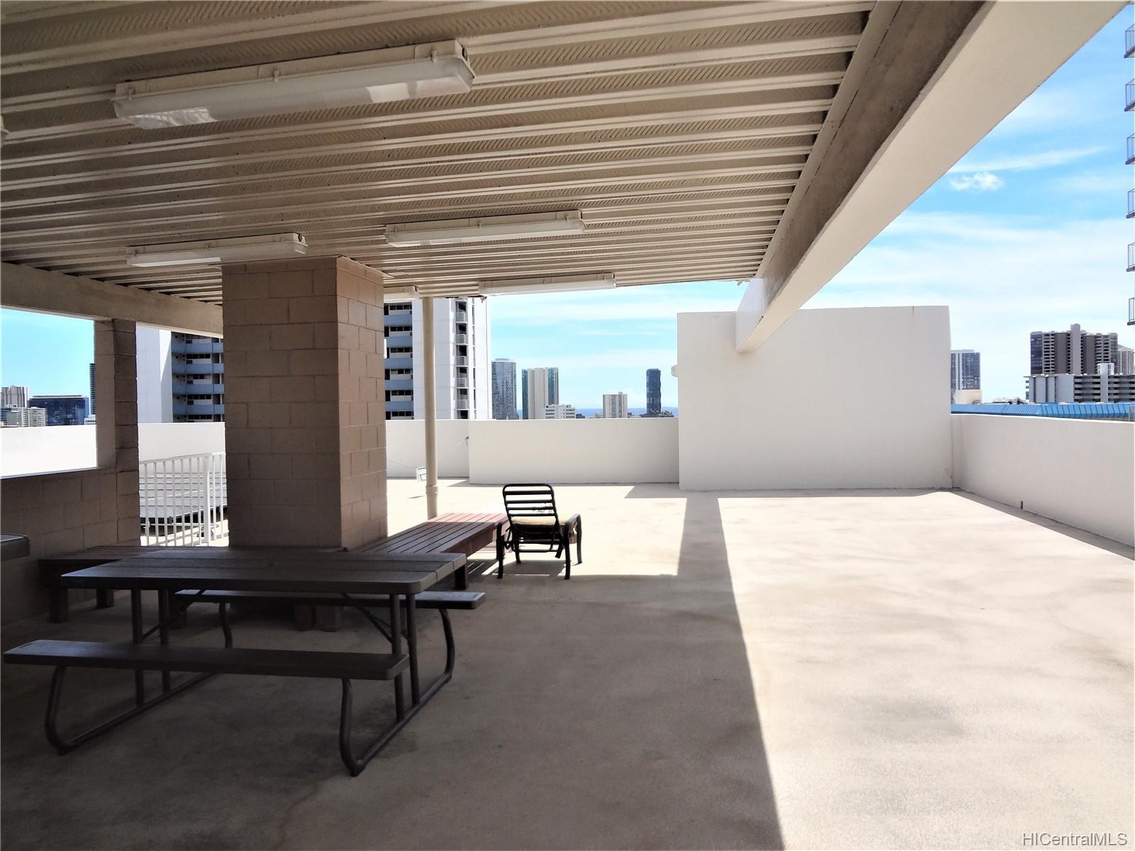 Wilder Terrace condo # 604, Honolulu, Hawaii - photo 8 of 22
