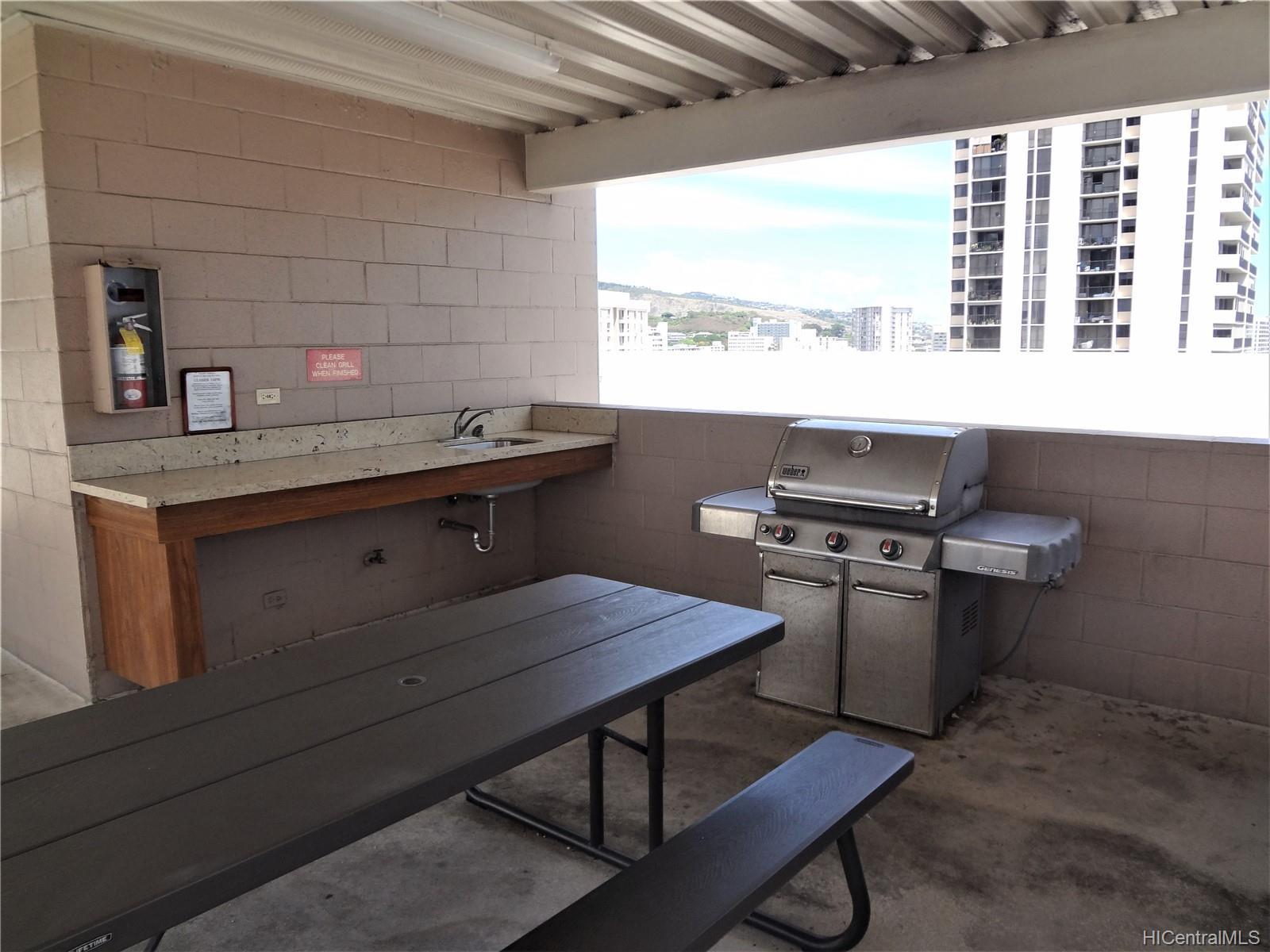 Wilder Terrace condo # 604, Honolulu, Hawaii - photo 10 of 22