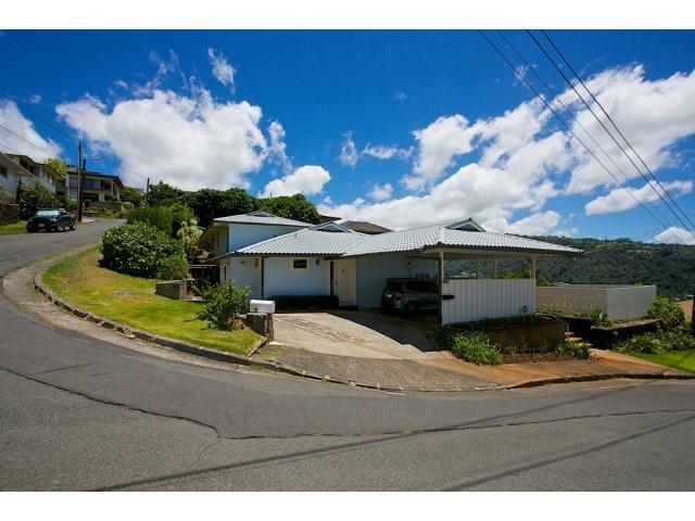 Kaumailuna Pl Alewa Heights, Honolulu home - photo 1 of 25