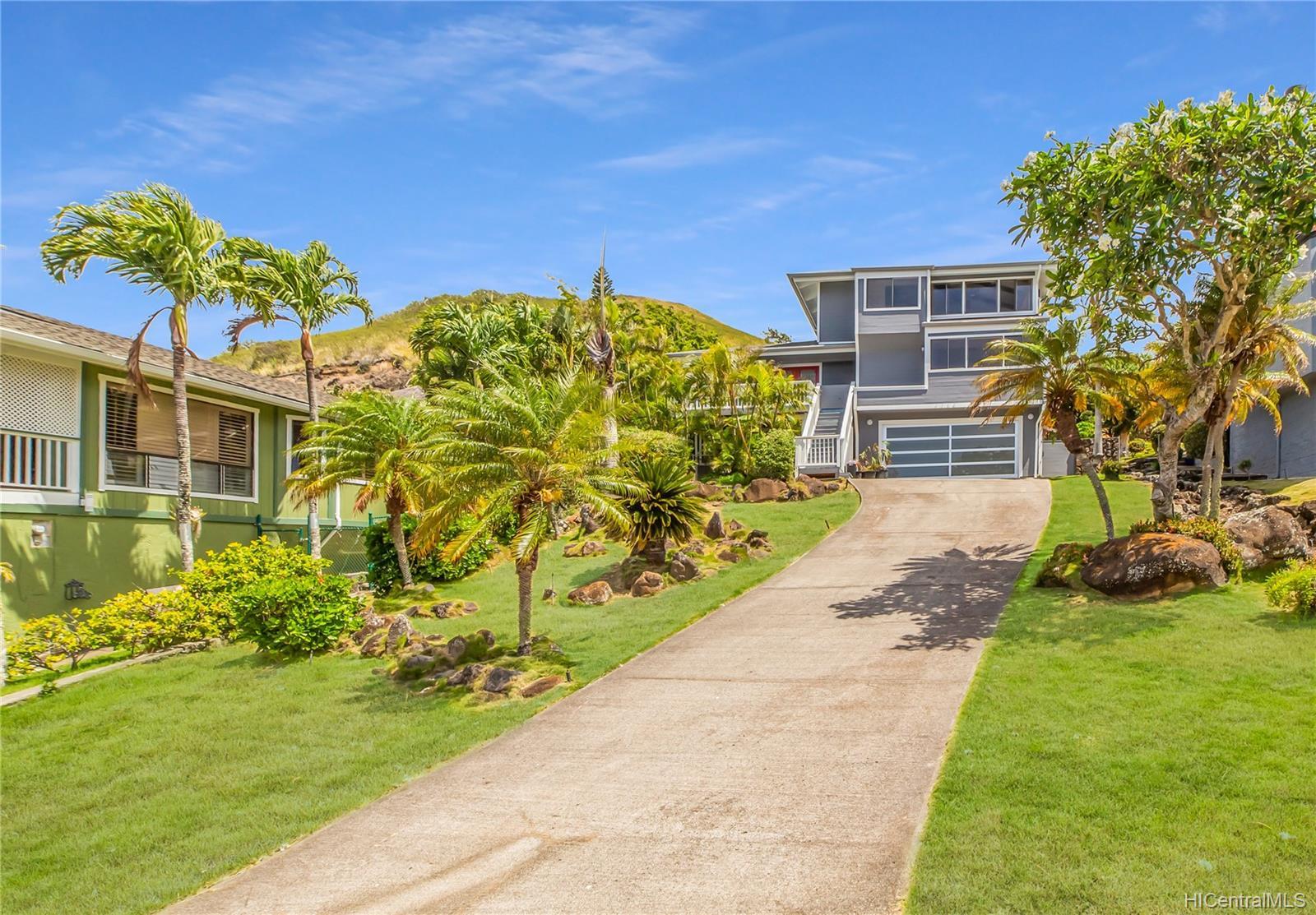 1168  Kaluanui Road Mariners Ridge, Hawaii Kai home - photo 1 of 25