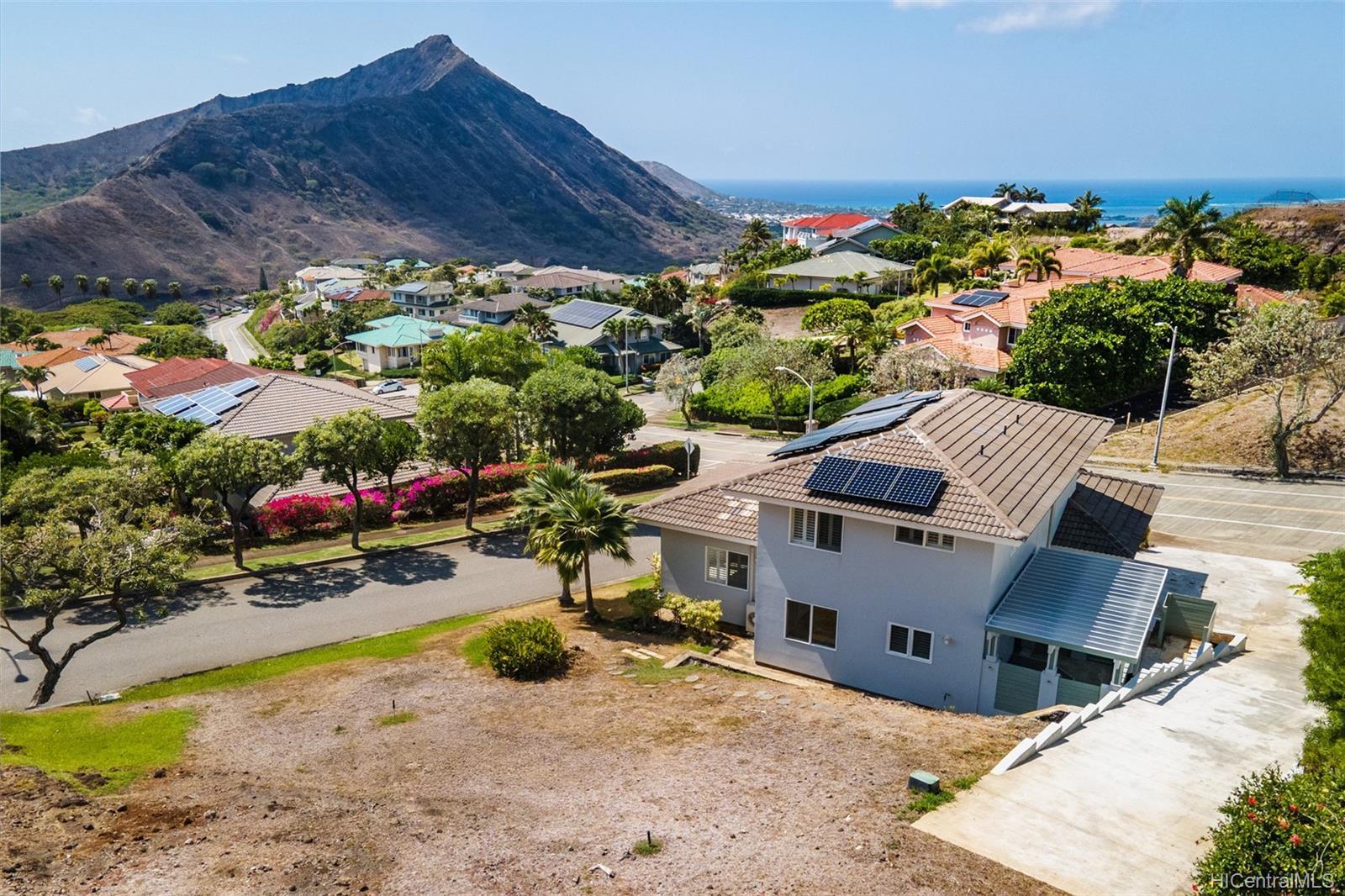 1185  Kamehame Drive Napali Haweo, Hawaii Kai home - photo 1 of 18