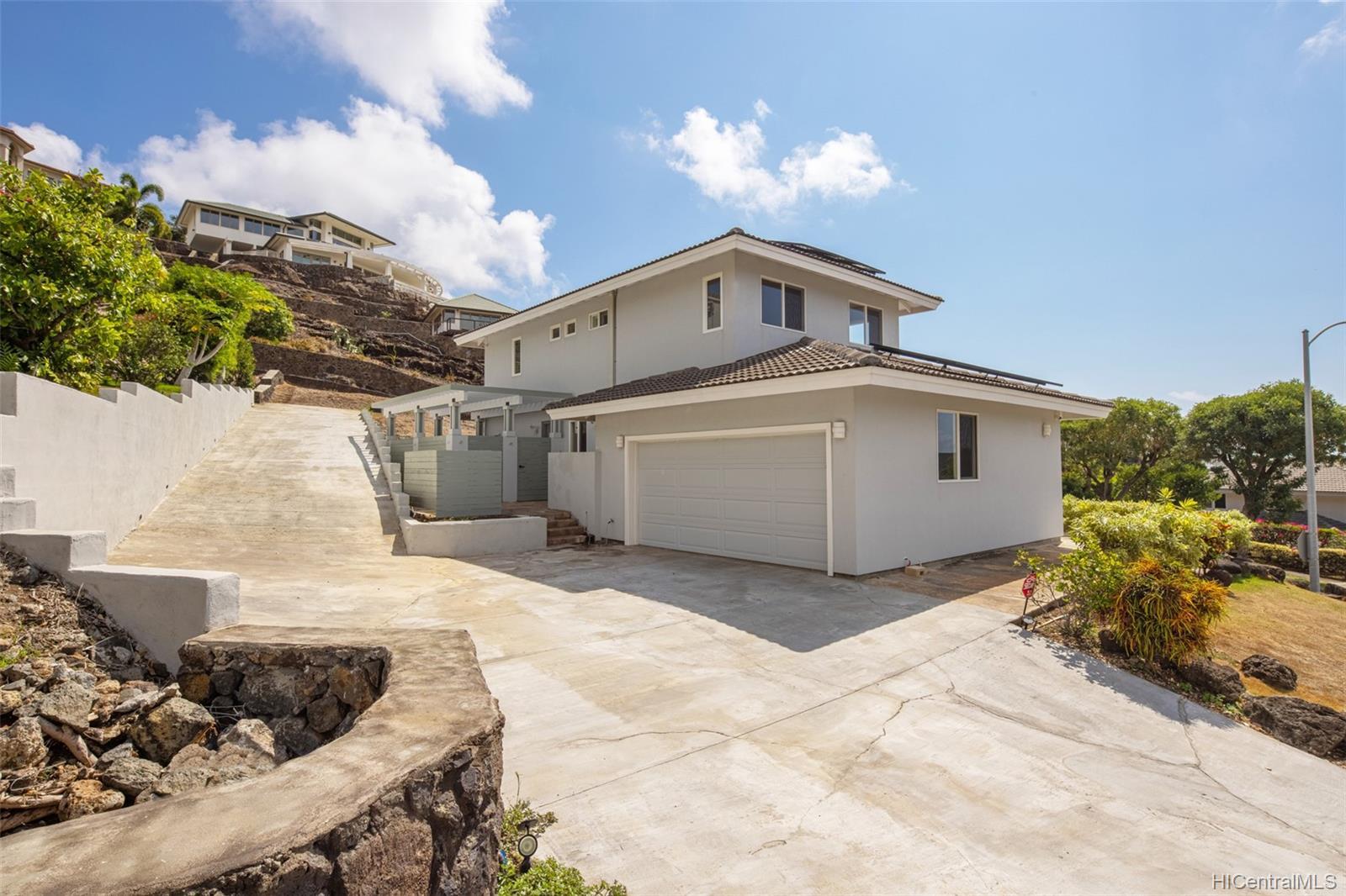 1185  Kamehame Drive Napali Haweo, Hawaii Kai home - photo 2 of 18